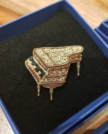 broche artisanale piano à queue