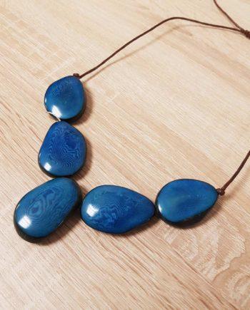 collier turquoise en ivoire végétal Tagua