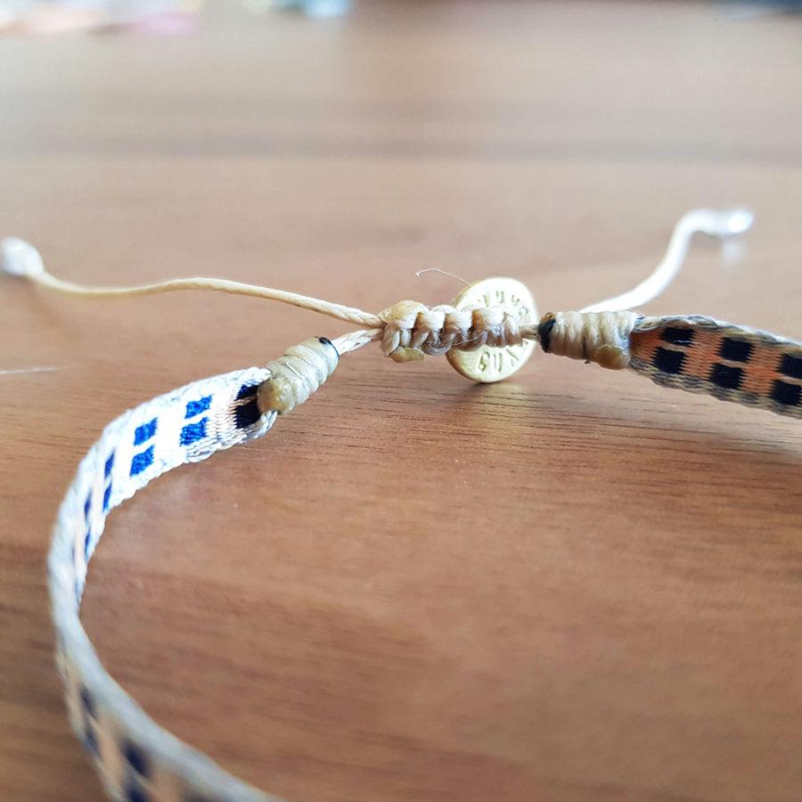 é à la main Wayuu rose et bleu marine