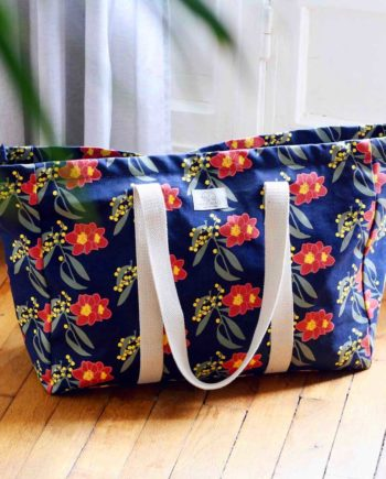 sac week-end en toile jean bleu et motif fleurit hindbag
