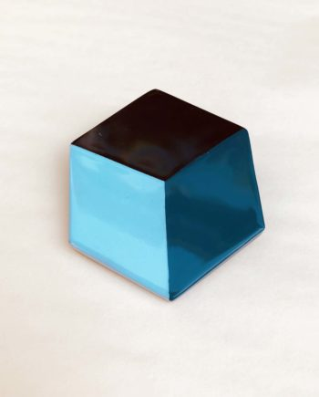 broche indochineur bleue laque géométrique
