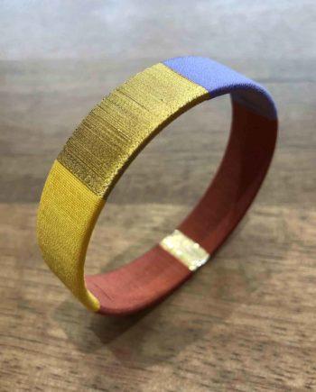 bracelet tissé main lilas, brique, jaune et or