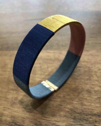 bracelet tissé main bleu, marron et or