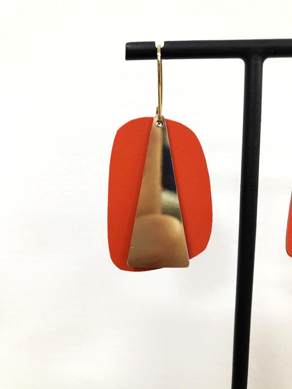 Grandes boucles d'oreille rose bouchon formica laiton et or fin orange tangerine