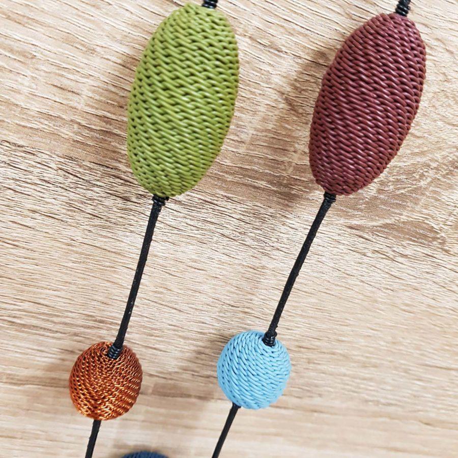 collier coloré en fil de téléphone artisanat sud africain fait main