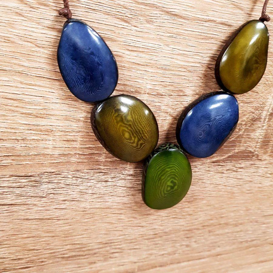 collier vert et bleu ardoise en tagua collier en ivoire végétal