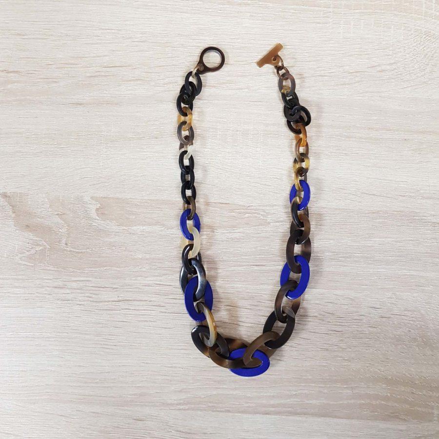 collier en corne laqué bleu collier artisanat vietnamien