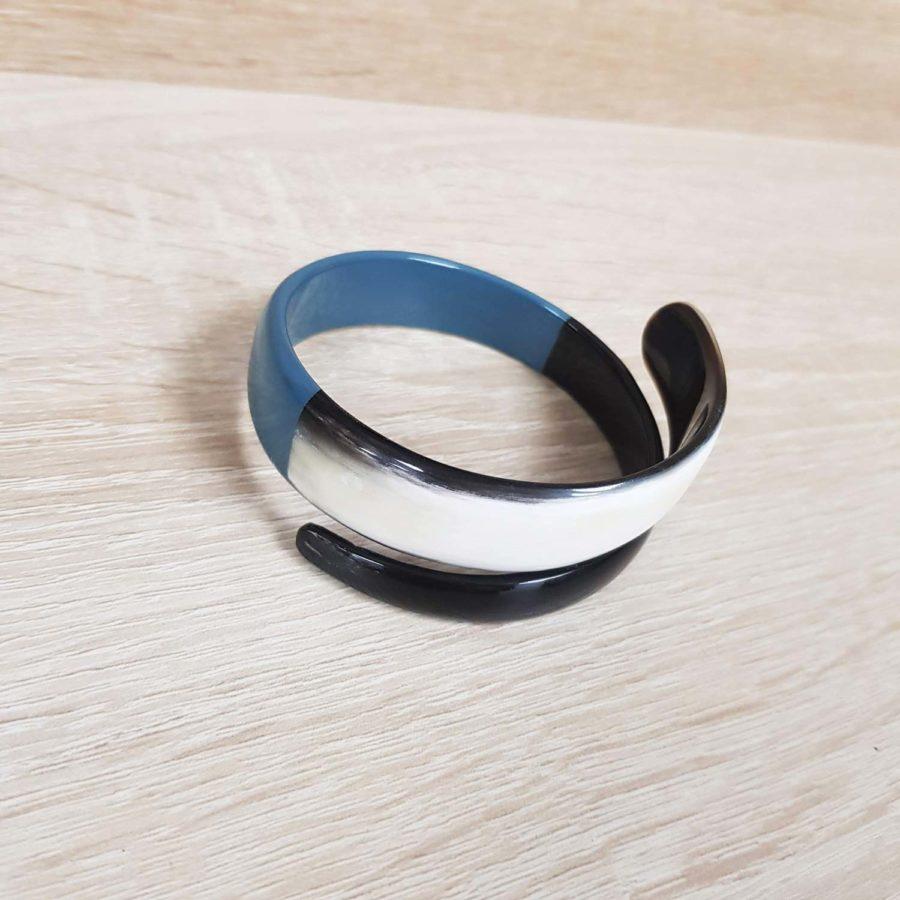 Bracelet elliptique torsadé en corne marbrée et corne laquée bleu - Artisanat vietnamien