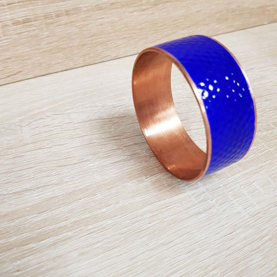 bracelet en cuivre martellées avec pastilles laquées bleu - artisanant vietnamien