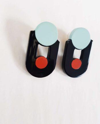 Boucles d'oreille en corne blonde laquée orange, noir et bleu clair - Artisanat vietnamien
