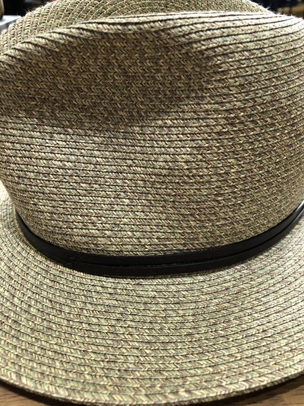 chapeau papier travaux en cours kaki