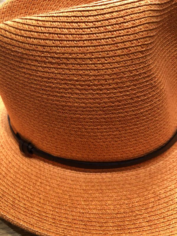 chapeau papier travaux en cours clémentine