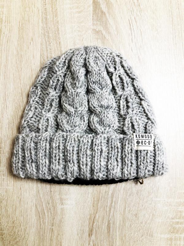 bonnet laine gris clair komodo