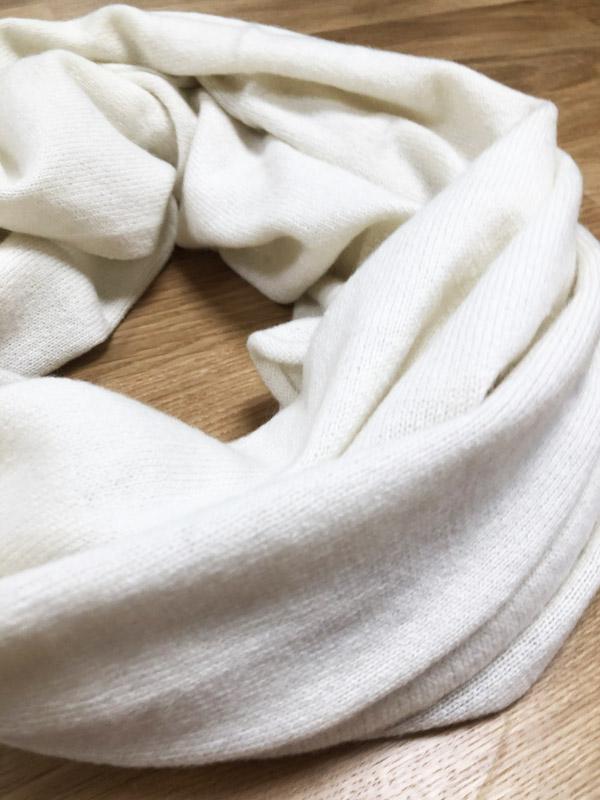 écharpe en cachemire Komodo blanc cassé