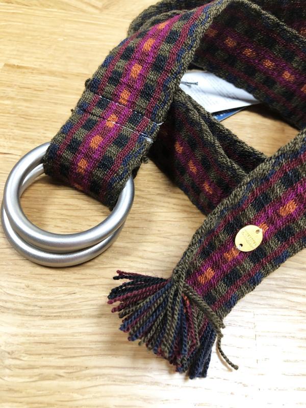 Ceinture tissée à la main artisanat Wayuu marron et violet