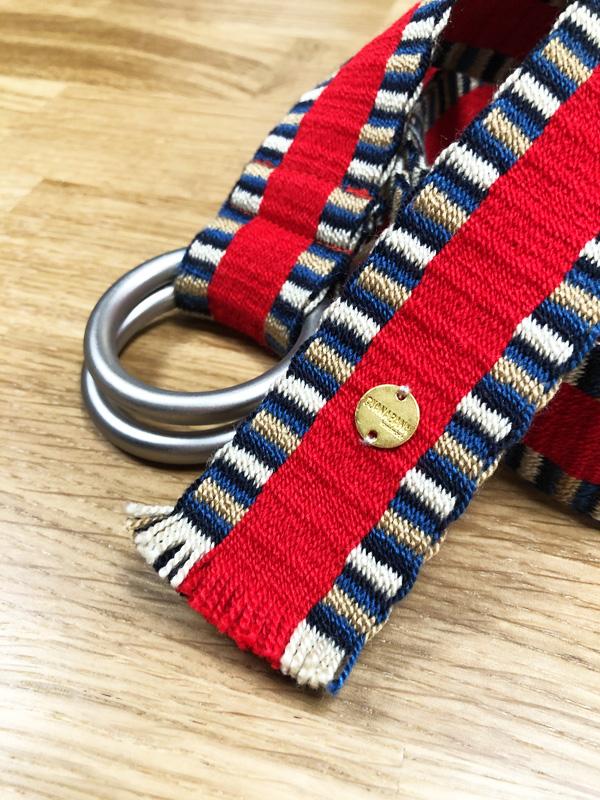 Ceinture tissée à la main artisanat Wayuu bleu, blanc et rouge