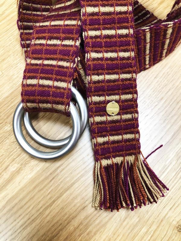Ceinture tissée à la main artisanat Wayuu bordeaux et beige