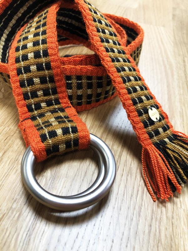 Ceinture tissée à la main artisanat Wayuu orange, marron et noir