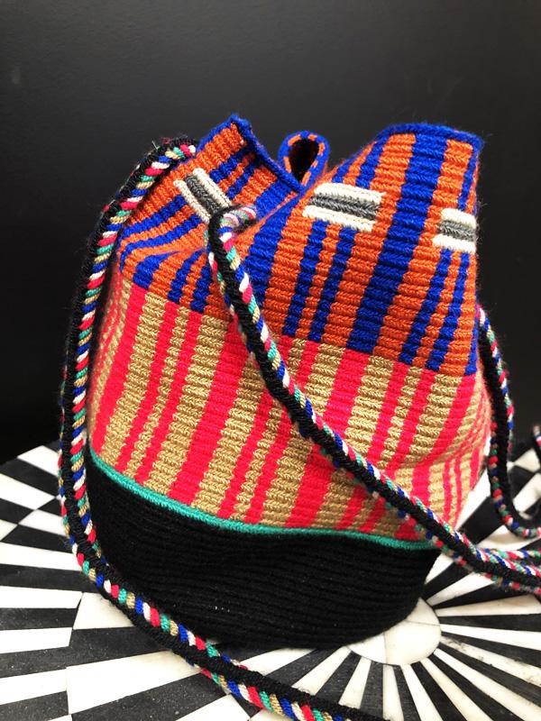 Sac mochila Wayuu tissée main multicolor