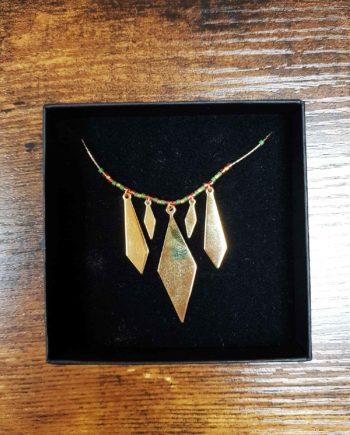 kim chi collier perles rouges et vertes